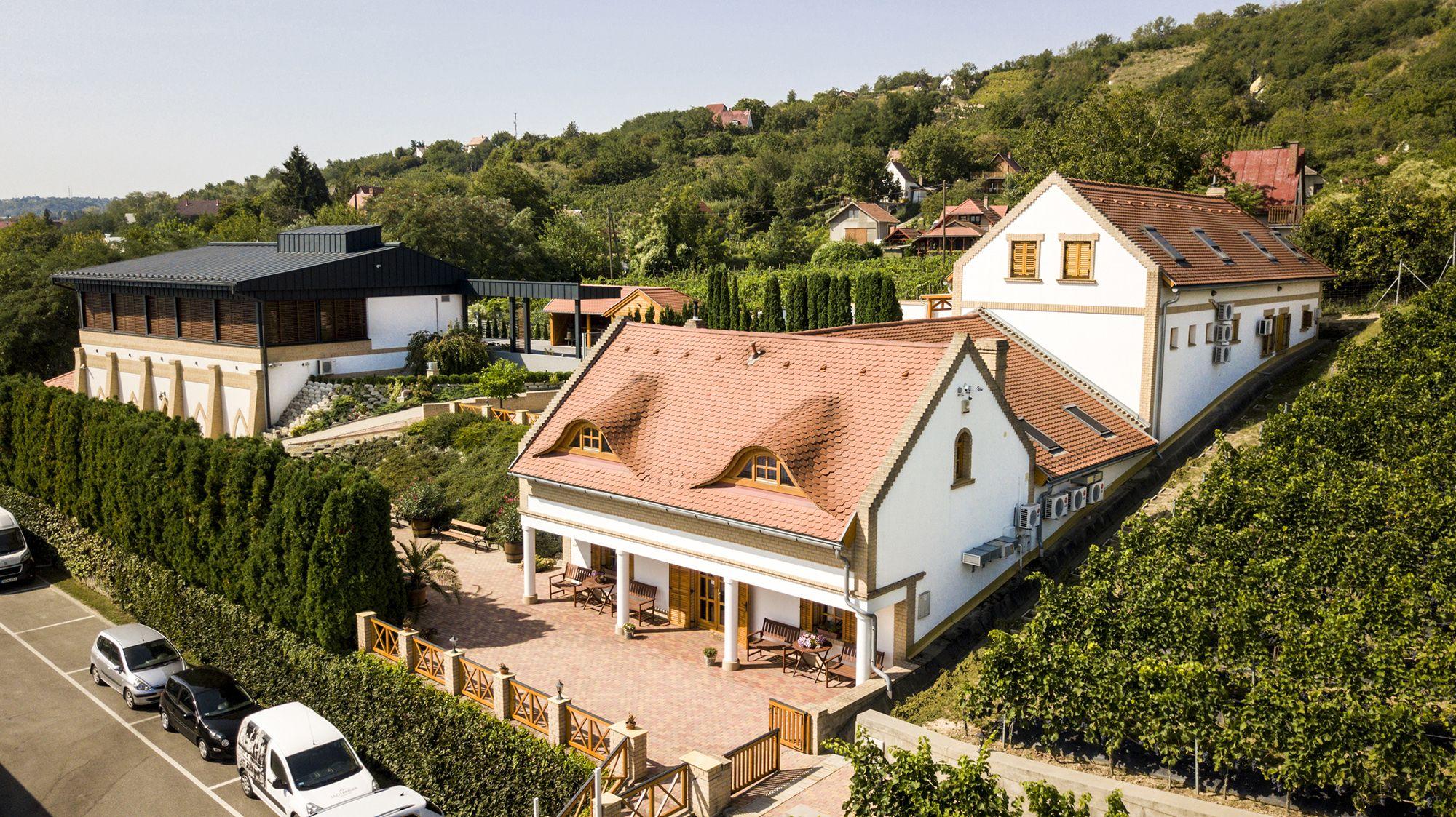 Eszterbauer bor- és vendégház
